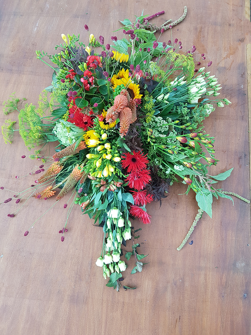 Groeipasse-Rouwstuk-rouw-bloemen-bloemstuk-begrafenis